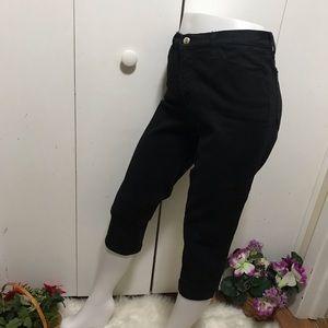 NYDJeans Black Capris Size 8